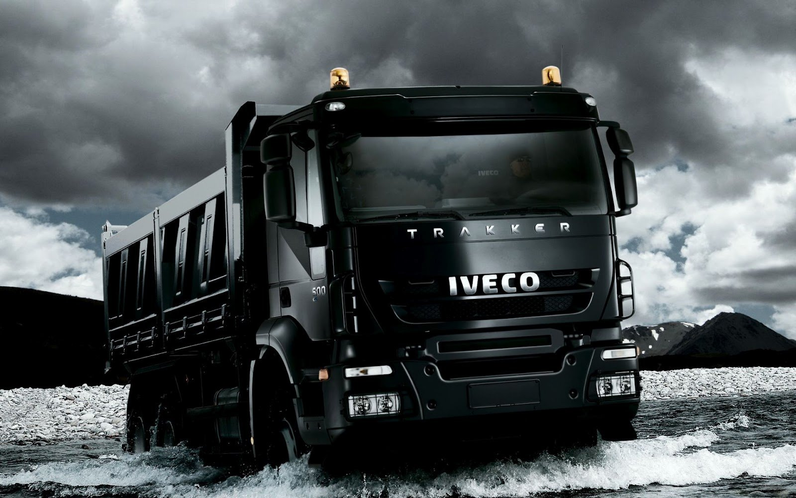 Black_Iveco_Trakker_Truck_HD_Desktop_Wallpaper.jpg